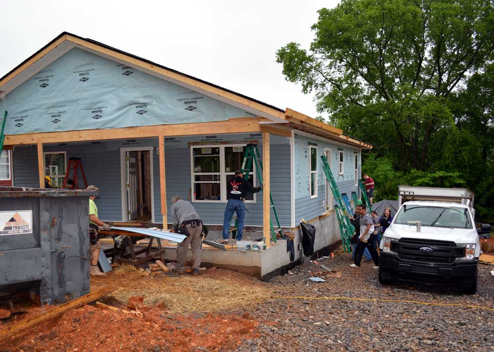 Braxton-Bragg's Knoxville Habitat for Humanity Team Adopt-a-Build Day